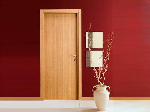 отделка входных дверей шпоном